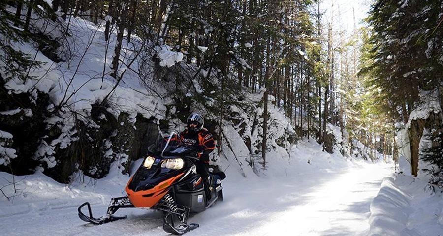 Snowmobile Touring In Explorers Edge The Big Loop