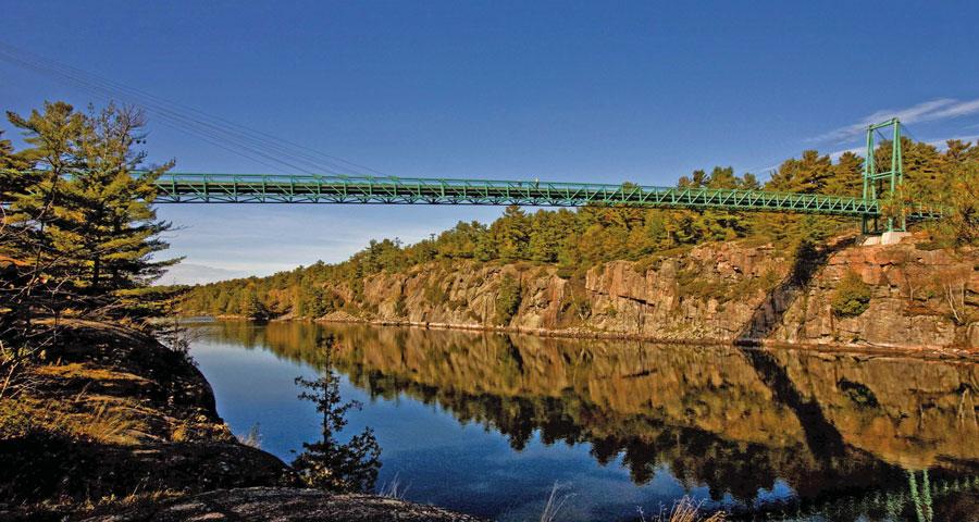 Amazing-places---Gorge-brid