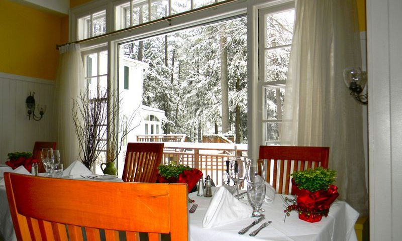 sherwood-dining-winter